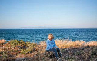 Σύμφωνα με την κ. Χριστιάνα Φράγκου, επί 70 χρόνια ουδέποτε η οικογένειά της είχε περιφράξει το οικόπεδο προς τη μεριά της θάλασσας.