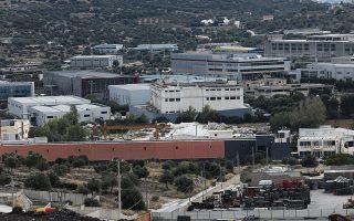 Οι ελληνικοί δήμοι πρέπει να δικαιούνται σημαντικό μέρος των φορολογικών εσόδων από την οικονομική δραστηριότητα εταιρειών εγκατεστημένων στην περιοχή τους.