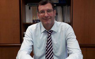 Ο κ. Αργυρού υποστηρίζει πως μέσα από τα κίνητρα που εισάγει για επενδύσεις και εργασία, το φορολογικό νομοσχέδιο δημιουργεί συνθήκες για περισσότερες θέσεις απασχόλησης.