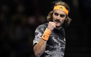 epa08004608 Stefanos Tsitsipas of Greece reacts during his final match against Dominic Thiem of Austria at the ATP World Tour Finals tennis tournament in London, Britain, 17 November 2019.  EPA/WILL OLIVER