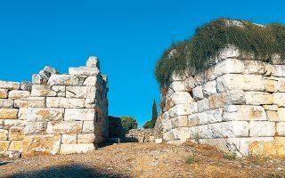 archaios-ramnoys-ena-archaiologiko-diamantaki-tis-attikis-gia-kyriakatiki-volta-2346163