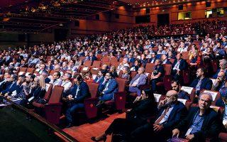 Παράλληλα με το βασικό πρόγραμμα του συνεδρίου, πραγματοποιήθηκε και μια σειρά από μεμονωμένες ομιλίες των εμπειρογνωμόνων του Singularity University, που αιχμαλώτισαν την προσοχή του κοινού.