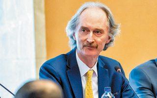 Ο ειδικός απεσταλμένος του ΟΗΕ για το Συριακό, Γκέιρ Πέντερσεν, στη Γενεύη.