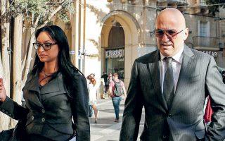 Ο Μαλτέζος επιχειρηματίας Γιόργκεν Φένεκ, ο οποίος συνελήφθη για τη δολοφονία της Γκαλιζία, καταφθάνει σε δικαστήριο της Βαλέτας.
