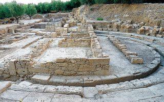Η ύπαρξη του θεάτρου είναι ενδεικτική της δύναμης και της οικονομικής ευημερίας που απολάμβανε η αρχαία Θουρία, η ιστορία της οποίας ξεκινάει από την τρίτη χιλιετία π.Χ. και φτάνει έως τους ύστερους βυζαντινούς χρόνους.