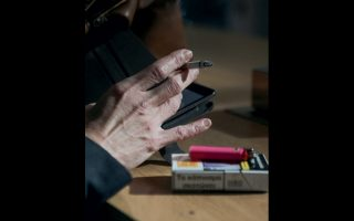 Εκτός από την αστυνόμευση και τα πρόστιμα, η απαγόρευση του καπνίσματος χρειάζεται κοινωνική συνείδηση.