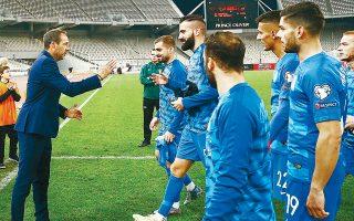 Ο Ολλανδός προπονητής απέδειξε πως, εκτός από θάρρος, έχει και πλάνο για την ταλαιπωρημένη Εθνική, την οποία μεταμόρφωσε σε χρόνο-ρεκόρ.