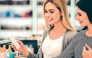Οι πωλήσεις των προϊόντων περιποίησης προσώπου παρουσιάζουν αύξηση της τάξεως του 6,5% σε σύγκριση με πέρυσι.