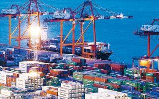 Σύμφωνα με τον ΟΟΣΑ, η έντονη αβεβαιότητα στο πεδίο της διεθνούς εμπορικής πολιτικής και της γεωπολιτικής έχει ως αποτέλεσμα να παρουσιάζεται στασιμότητα στο εμπόριο.