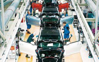 Ο εμπορικός πόλεμος ΗΠΑ - Κίνας και η συρρίκνωση της κινεζικής αγοράς αυτοκινήτου για πρώτη φορά από το 1992 επιτείνουν τα προβλήματα που καλούνται να υπερβούν οι αυτοκινητοβιομηχανίες.