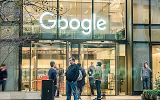Στην Google, υπάλληλοί της επιμένουν πως υψηλόβαθμα στελέχη εξακολουθούν να εκδικούνται υφισταμένους τους που κατήγγειλαν κακές συμπεριφορές τους.