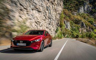 «Αποφύγαμε τις έντονες γραμμές και άλλα στοιχεία υπερβολής», δήλωσε ο σχεδιαστής του νέου Mazda 3.