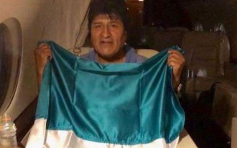 Βολιβία: Ο Εβο Μοράλες εγκαταλείπει τη χώρα και μεταβαίνει στο Μεξικό