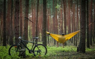Αργοί ρυθμοί και ελάχιστο οικολογικό αποτύπωμα. Ο ποδηλατικός τουρισμός ωφελεί τους ποδηλάτες, το περιβάλλον αλλά και τις τουριστικές περιοχές, που μένουν ζωντανές ακόμη και εκτός καλοκαιρινής σεζόν.