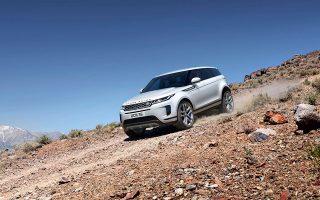 Aυτοκίνητο αναφοράς στα πολυτελή compact SUV είναι το Range Rover Evoque.
