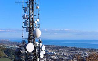 Οι εταιρείες του κλάδου επιχειρούν σταδιακά τον διαχωρισμό των δικτύων τους από την παροχή υπηρεσιών.