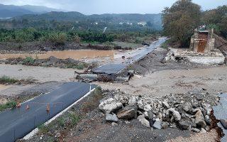 Ολική καταστροφή υπέστη η αυτοσχέδια διάβασης του Κερίτη, στα Χανιά, λόγω της κακοκαιρίας, Τετάρτη 13 Νοεμβρίου 2019. Με ιδιαίτερη δριμύτητα επηρεάζει τη χώρα από χθες το μεσημέρι η κακοκαιρία «Βικτώρια». ΑΠΕ-ΜΠΕ/Χανιώτικα νέα/STR