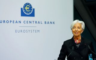 FILE PHOTO: European Central Bank (ECB) President Christine Lagarde speaks before she gives a sign which will be implemented on the newly printed euro banknotes at the bank's headquarters in Frankfurt, Germany November 27, 2019. REUTERS/Ralph Orlowski//File Photo
