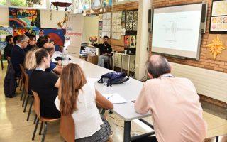 Στο σεισμογραφικό δίκτυο συμμετέχουν 40 σχολικές μονάδες στην Ελλάδα, 10 από την Τουρκία, 5 από την Κύπρο, 3 από τη Βουλγαρία, 3 από την Ιταλία, ενώ 2 σεισμόμετρα έχουν εγκατασταθεί σε σχολεία στο νησιωτικό σύμπλεγμα των Αζορών στον Ατλαντικό και 1 σεισμόμετρο σε σχολείο της Χάιφας.