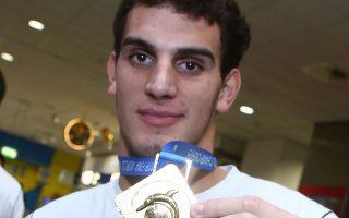 «Με αυτό το μετάλλιο ανταμείφθηκαν οι κόποι μας», λέει ο 20χρονος Αλέξανδρος Παπαναστασίου, γιος του «πιλότου» Τάσου Παπαναστασίου. ΙΝΤΙΜΕ NEWS