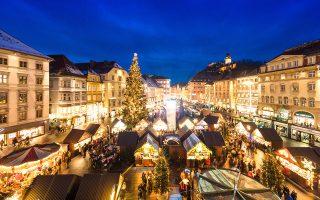 Χριστουγεννιάτικη ατμόσφαιρα στη Hauptplatz, την κεντρικότερη πλατεία της Παλιάς Πόλης. © Graz Tourismus/Harry Schiffer