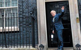 Οι αναλυτές αναρωτιούνται τι κρύβεται πίσω από την άρνηση του Τζόνσον να δημοσιεύσει την έκθεση της Βουλής για τη ρωσική επιρροή στη Βρετανία.