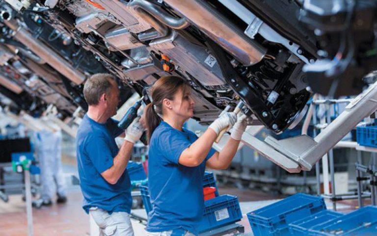 Η γερμανική βιομηχανία αναζητεί αλλά δεν βρίσκει εξειδικευμένο προσωπικό