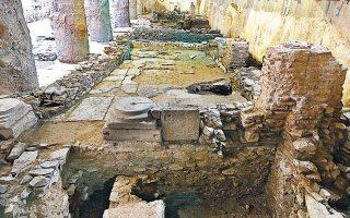 Επειτα από τη μαραθώνια συνεδρίαση, το ΚΑΣ έβγαλε απόφαση, με 13 ψήφους υπέρ της απόσπασης και επανατοποθέτησης των αρχαιοτήτων στον σταθμό «Βενιζέλου», 2 κατά και 2 απόντες.