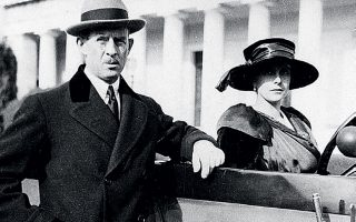 H πριγκίπισσα Αλίκη και ο σύζυγός της, πρίγκιπας Ανδρέας της Ελλάδος και της Δανίας, το 1921, στην Αθήνα.