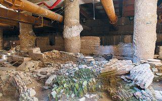 Περίπου 40 εκατομμύρια ευρώ και τρία χρόνια καθυστέρηση επιπλέον υπολογίζει η «Αττικό Μετρό» το κόστος για τη διατήρηση των αρχαιοτήτων.
