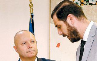 Ο ανεξάρτητος εμπειρογνώμονας Πετρ Φούσεκ με τον πρόεδρο της Σούπερ λιγκ 1, Μηνά Λυσσάνδρου.