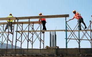 Μόνο στα νότια προάστια έχουν εκδοθεί πάνω από 3.000 νέες οικοδομικές άδειες, που σημαίνει ότι τα επόμενα χρόνια είναι πολύ πιθανό να βρεθούν προς πώληση ακόμα και 10.000 νέες κατοικίες και διαμερίσματα.
