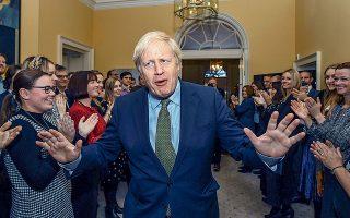 Αυτή τη στιγμή, ο Μπόρις Τζόνσον είναι ο ισχυρότερος πρωθυπουργός που είχε η Βρετανία από την εποχή του Τόνι Μπλερ. Kέρδισε το στοίχημα της ζωής του, ποντάροντας στο χαρτί του αγγλικού εθνικισμού.