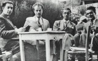 Θράσος Καστανάκης, Στράτης Μυριβήλης, Αγγελος Τερζάκης, Ηλίας Βενέζης, το 1934. Από το βιβλίο «Η μεσοπολεμική πεζογραφία», εκδ. Σοκόλη.