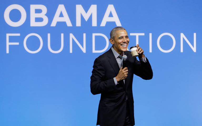 Ομπάμα: «Οι γυναίκες είναι αναμφισβήτητα καλύτερες από τους άνδρες»
