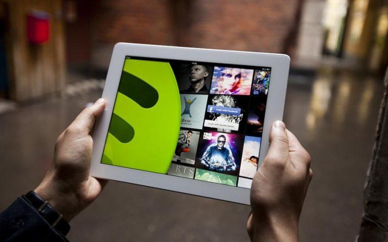 ΗΠΑ: «Μπλόκο» στις πολιτικές διαφημίσεις και από το Spotify