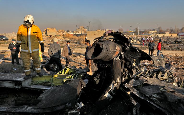 Αεροπορική τραγωδία στο Ιράν: Η ουκρανική πρεσβεία απέσυρε την αρχική αναφορά για πρόβλημα στον κινητήρα