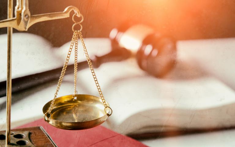 Ο αντεισαγγελέας του Αρείου Πάγου πρότεινε την εν μέρει αθώωση Αμβρόσιου