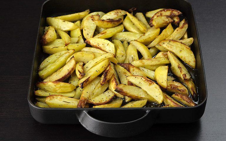 Πατάτες στο φούρνο: Προσοχή στα υγρά!