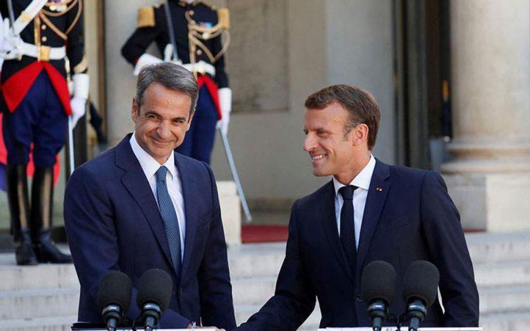 Στο Παρίσι με στόχο καθαρό μήνυμα στήριξης για ελληνοτουρκικά – οικονομία
