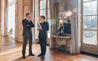 Ο πρωθυπουργός Κυριάκος Μητσοτάκης με τον Γάλλο πρόεδρο Εμανουέλ Μακρόν, κατά τη χθεσινή συνάντησή τους στο Μέγαρο των Ηλυσίων.