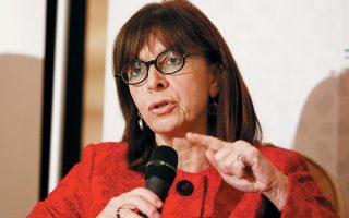Η κ. Σακελλαροπούλου έχει επιστημονικά ενδιαφέροντα και μετέχει πολύ συχνά σε συνέδρια και ημερίδες.