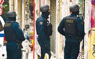 Από τις 7 Ιανουαρίου έως και την Τρίτη πραγματοποιήθηκαν περισσότερες από δέκα εξορμήσεις της Ελληνικής Αστυνομίας στην περιοχή των Εξαρχείων, με τη συμμετοχή αστυνομικών, μεταξύ άλλων, από τη Δίωξη Ναρκωτικών και τις Ομάδες Πρόληψης Καταστολής Εγκληματικότητας (ΟΠΚΕ).