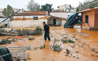 «Στην Ελλάδα οι θάνατοι από πλημμύρες έχουν ξεπεράσει εκείνους από σεισμούς», υπογράμμισε ο ακαδημαϊκός και καθηγητής του Πολυτεχνείου Κρήτης Κώστας Συνολάκης, τονίζοντας πως «το κλειδί είναι να σκεφτούμε διαφορετικά».
