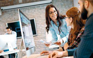 Μεγάλες εταιρείες του εξωτερικού έχουν ξεκινήσει να συνυπολογίζουν την ευγένεια στα προσόντα που απαιτούνται για την πρόσληψη νέων υπαλλήλων.