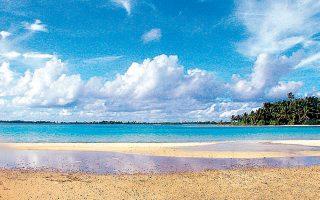Το νησιωτικό έθνος του Κιριμπάτι στον Ειρηνικό και ο μαγευτικός κόλπος Νικουμερόρο απειλούνται από την άνοδο των υδάτων.