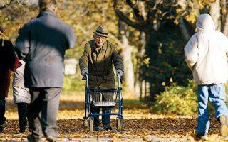 Γερμανός συνταξιούχος στο Λούντβιχσμπουργκ, στη νοτιοδυτική Γερμανία.