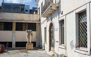 Το εσωτερικό προαύλιο του Αρχαιολογικού Μουσείου Αργους, το οποίο είναι κλειστό επί σειράν ετών. Επιτέλους, προκηρύχθηκε διαγωνισμός.