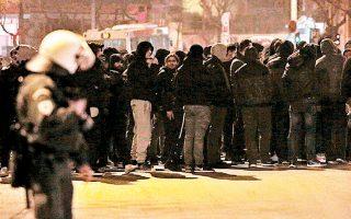 Οπαδοί του ΠΑΟΚ συγκεντρώθηκαν, χθες, έξω από τα γραφεία της Ν.Δ. στη Θεσσαλονίκη, ενώ προανήγγειλαν νέες κινητοποιήσεις.
