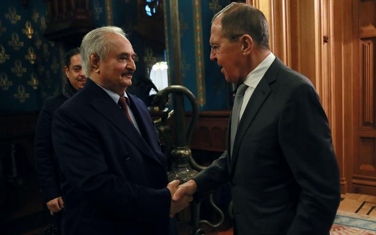 Λιβύη: Ο στρατάρχης Χαφτάρ αποχώρησε χωρίς συμφωνία από τη Μόσχα